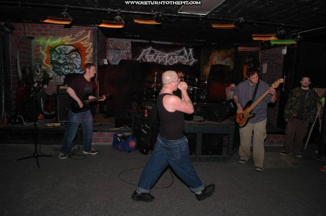 [abominable on Apr 3, 2005 at the Kave (Bucksport, Me)]