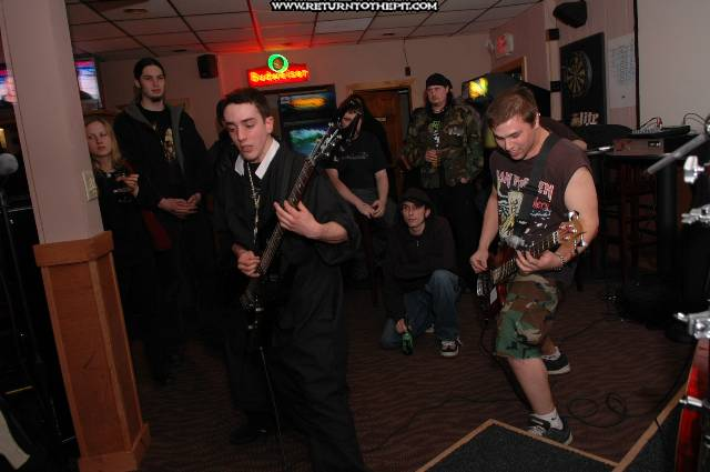 [unholy trinity on Mar 25, 2005 at Dee Dee's Lounge (Quincy, Ma)]